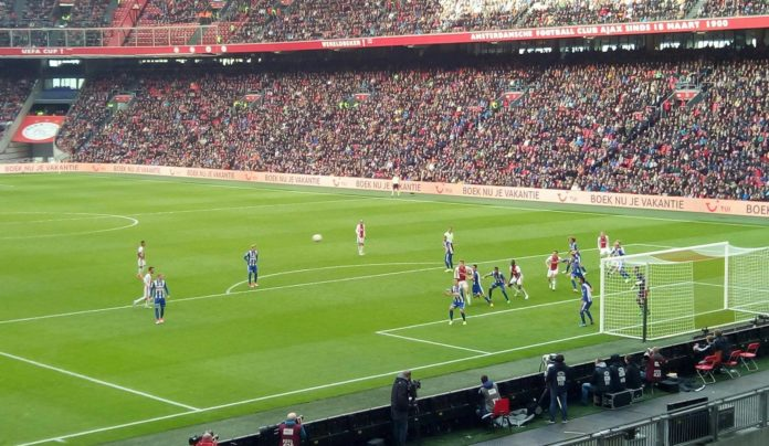 Ajax boekt grote overwinning tegen Heerenveen