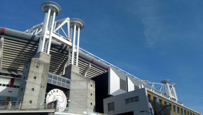 Geen titel voor Ajax ondanks winst tegen Willem II