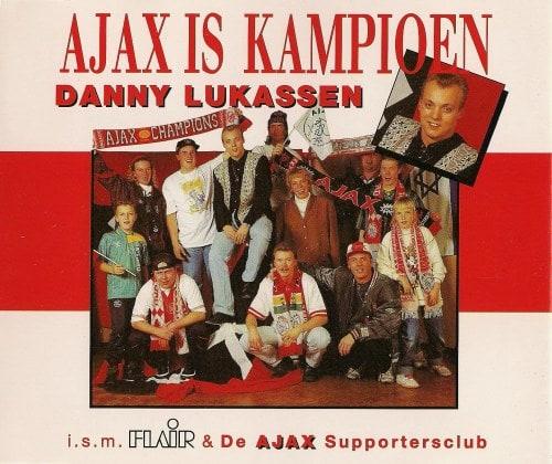 Zanger Danny Lukassen blaast megahit 'Ajax is kampioen' nieuw leven in