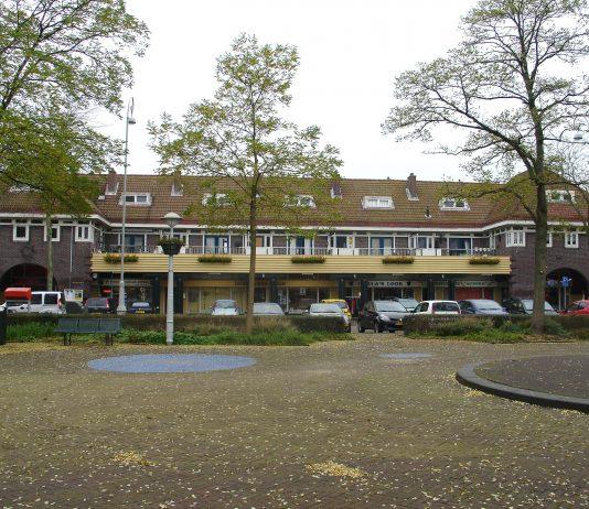 Village Market op Zonneplein in Amsterdam-Noord