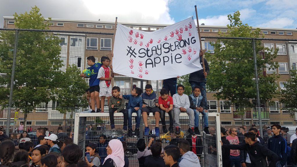 Eerbetoon en steun aan Appie en familie in West
