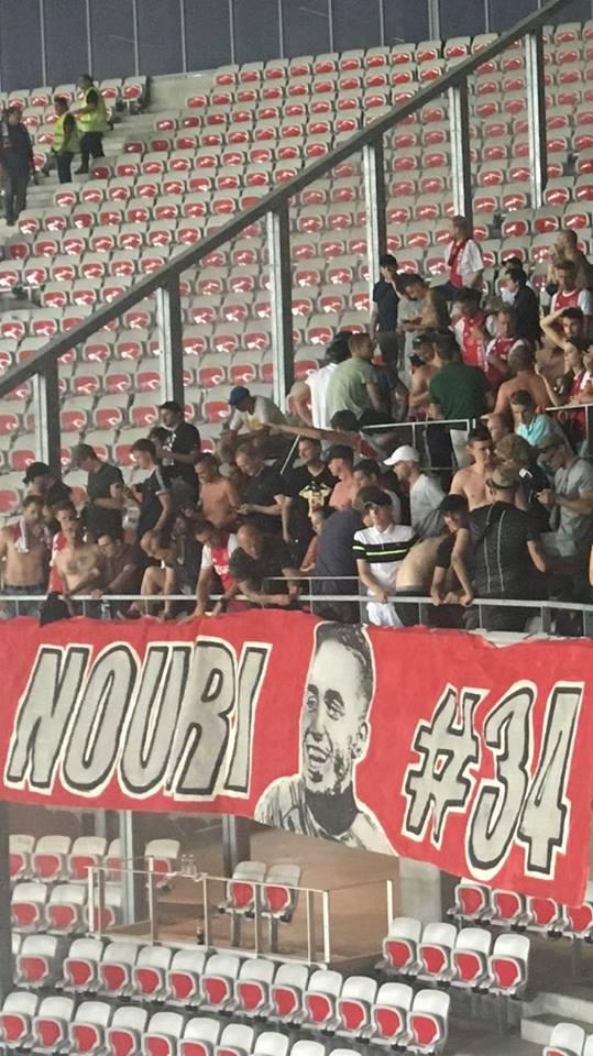 Donny Van de Beek draagt goal op aan Nouri