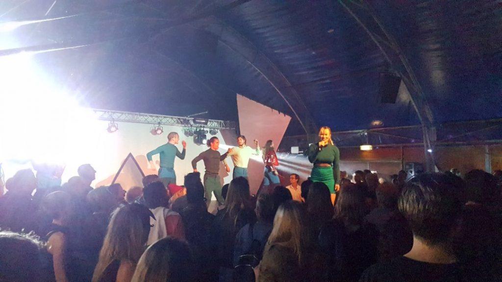 Breakdance-spektakel LIJF steelt de show op de Parade