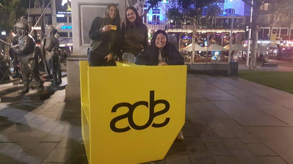 Fans voor Martin Garrix op het Rembrandtplein