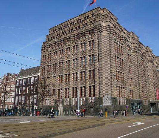 Amsterdam viert 742e verjaardag