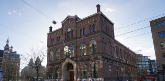 Dan Brown Student Event in de Paradiso