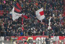 Een sober spelend Ajax heeft zaterdagavond in Tilburg een 1-0 achterstand tegen Willem II weggepoetst tot een 1-3 uitoverwinning.