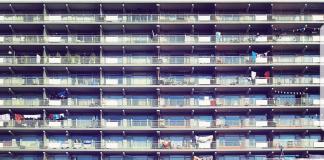 Viering 50 jaar Bijlmer! Op 25 november 2018 is het exact 50 jaar geleden dat de eerste bewoners de sleutel van hun nieuwe woning in de Bijlmer kregen. Amsterdam viert vanaf vandaag 25 november 2017 een heel jaar lang 50 Jaar Bijlmer.