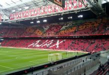 Ajax loot in Youth League Paris Saint-Germain
