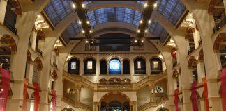 Fashion Fest finale tijdens weekend of Global Cultures in Tropenmuseum