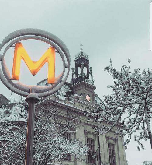 Verhaal, foto's en video: 'Hevige sneeuwval in Parijs'