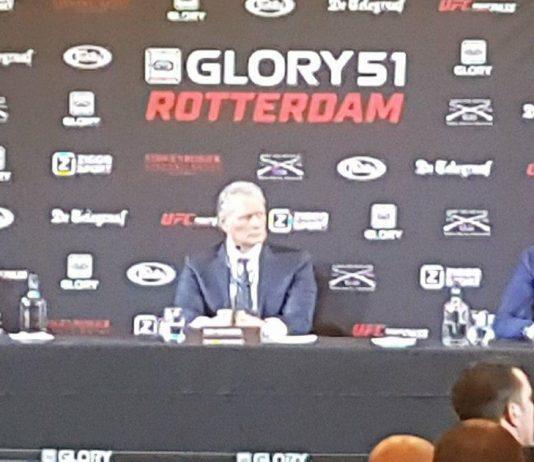 Relaxte persconferentie Badr Hari en Hesdey Gerges bij Schiphol