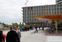 Stad stroomt vol met oranje feestgangers