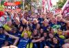 Ajax Vrouwen prolongeren titel na winst op FC Twente Prachtig Amsterdams sportnieuws. De Ajax Vrouwen zijn op tweede Pinksterdag voor de tweede keer op rij landskampioen geworden. De Amsterdamse ploeg won na een bloedstollend duel in Amsterdam Zuid-Oost na een 0-1 achterstand uiteindelijk met 2-1.