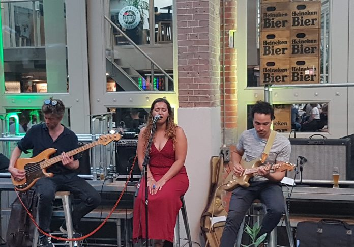 Bands & Bites in de Foodhallen