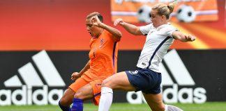 Oranje leeuwinnen plaatsen zich niet direct voor WK voetbal