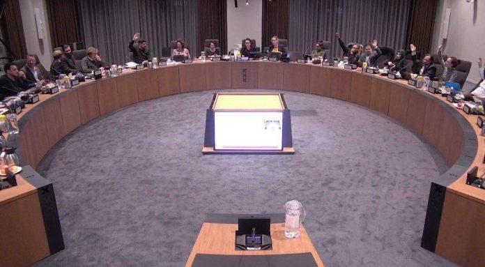 Coalitie gefrustreerd: Oppositie blokkeert debat verhoging parkeertarieven
