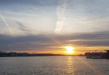 Amsterdam laat de Zilvervloot voorbij varen