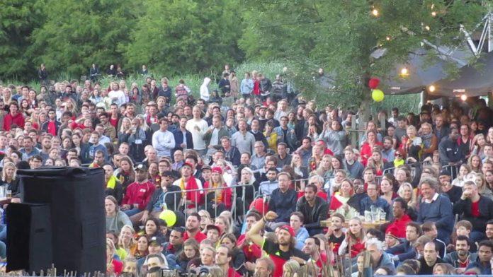 Ajax gekte bij de Westerunie: Megascherm tijdens AJAX – REAL MADRID