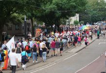 Hoop straatfeesten tijdens Pride Amsterdam 2019