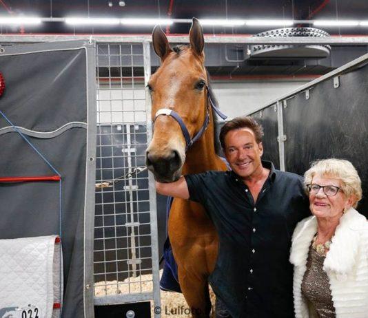 Gerard Joling en Britt Dekker stelen show op Jumping Amsterdam