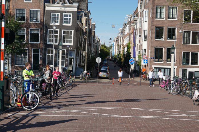 Waar kun je gezellig winkelen in Amsterdam?