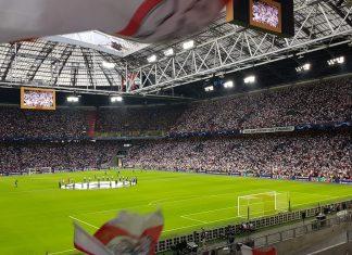 TG: Ajax wil keeper huren na 'grillig' optreden Lamprou
