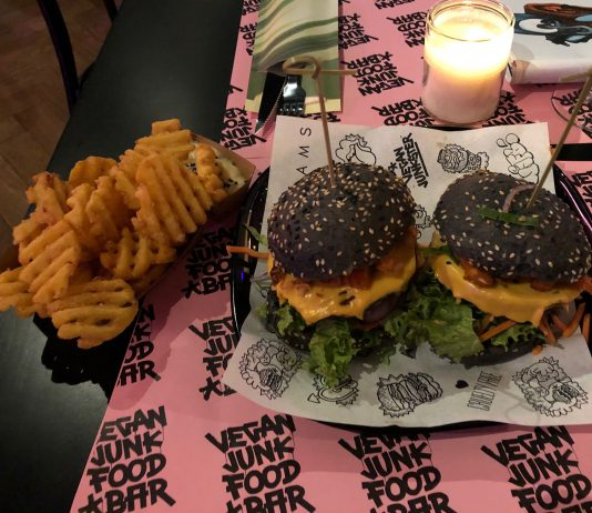Vegan Junk Food Bar in de Reguliers is prima vertoeven
