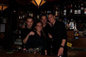 Ajax kijken op groot scherm: Café de Manen in Amstelveen
