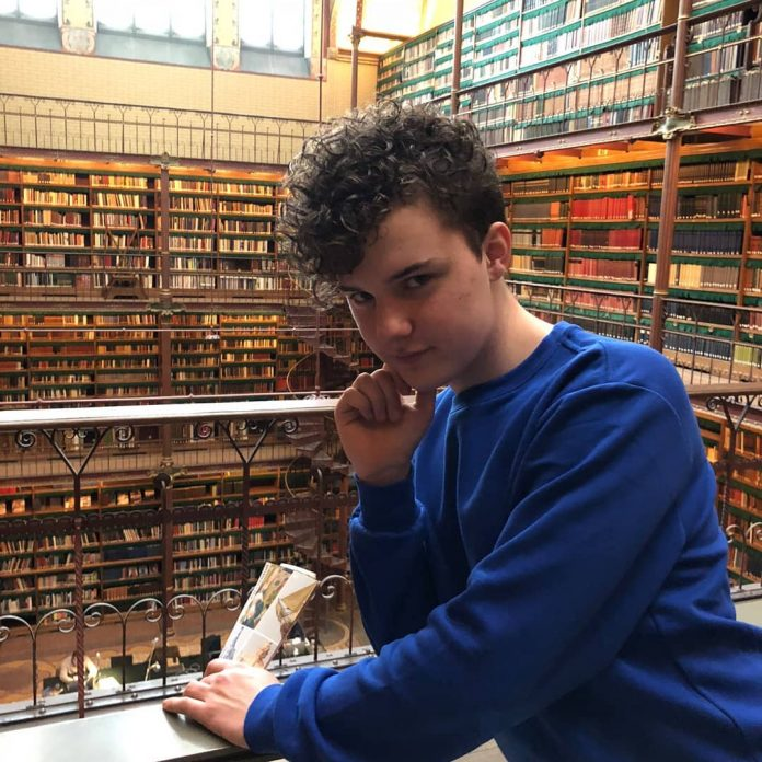 Zestienjarige Justin benoemd tot Youth Pride Ambassadeur 2019