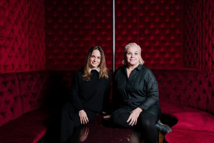 Amsterdamse zussen openen high-end boutique stripclub