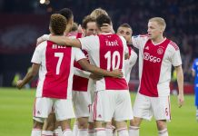 Ajax – Juventus kijken op groot scherm