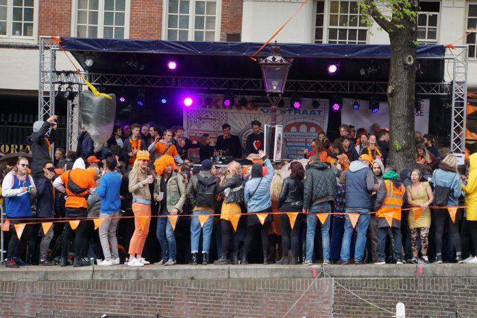 Koningsdag 2019 in Amsterdam wordt vrolijk gevierd