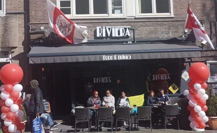 Juventus - Ajax kijken op groot scherm in Amsterdam