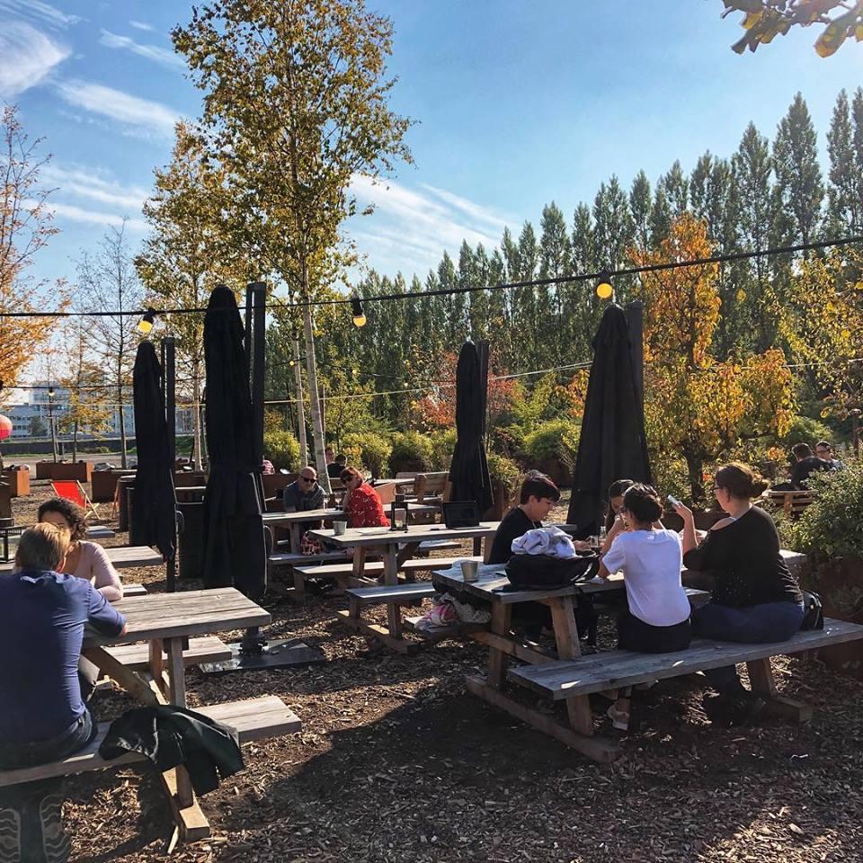 Terras in Amsterdam Zuidoost Proefzaak – Kleiburg