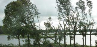 VRIJDAG WEER CODE GEEL VOOR NEDERLAND Het wordt vrijdag weer code geel voor Nederland. Dat heeft het KNMI bekend gemaakt. Volgens het weerspecialisten trekken onweers- en hagelbuien vanaf de tweede helft van de middag van zuidwest naar noordoost over het land.