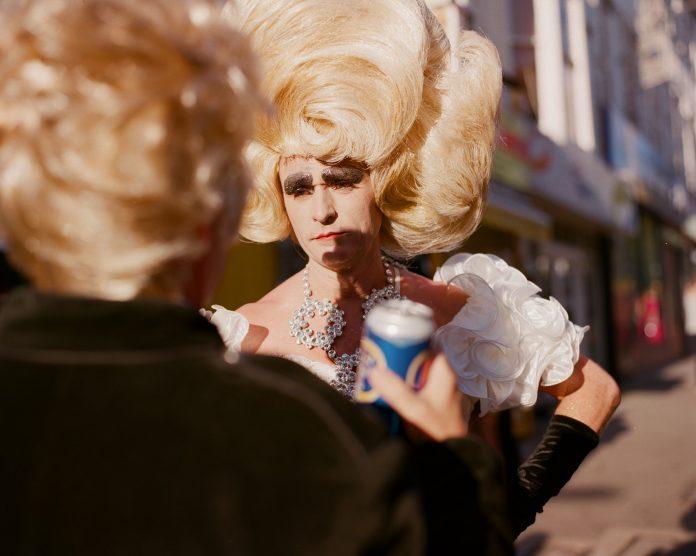 Het verhaal achter foto expositie 'Glitter In The Air'
