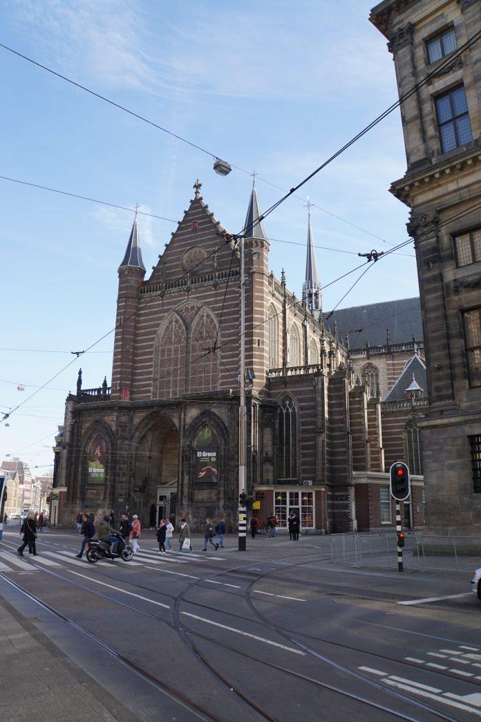 """Rainbow concert in De Nieuwe Kerk: """"ode aan vroegere gay componisten en klassieke musici"""""""