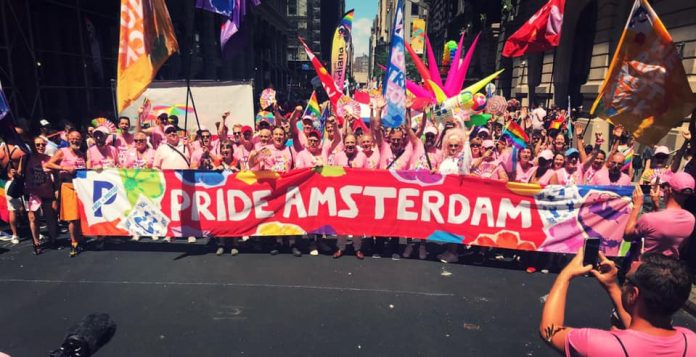 Amsterdamse bezoeker over imposante stoet Gay Pride New York: That was amazing!