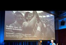 Publiek op tribune de Balie vermaakt met DIEGO MARADONA