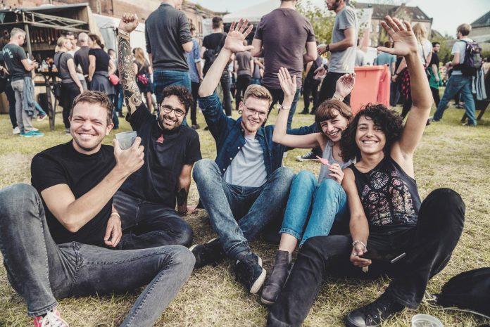 Het Pure&Crafted festival komt voor het eerst naar Nederland. Na drie succesvolle edities in Berlijn strijkt het festival op zaterdag 28 september neer in Amsterdam. VTA stelde een aantal vragen aan de organisatie!