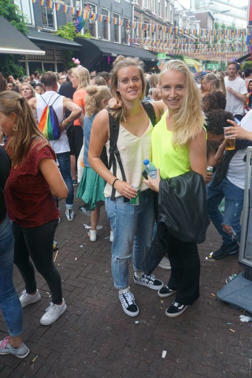 Reguliersdwarsstraat toonde zich weer de homostraat van Amsterdam
