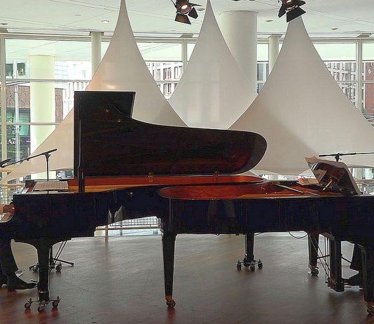 Drie keer in Het Concertgebouw: 'Around the World on Two Pianos'