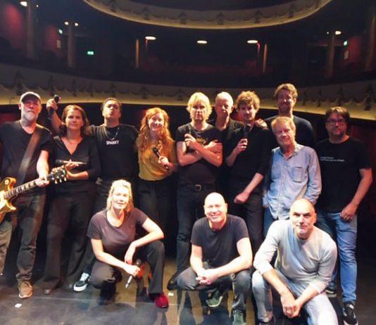 Publiek vermaakt tijdens Muzikale Helden bij De Kleine Komedie