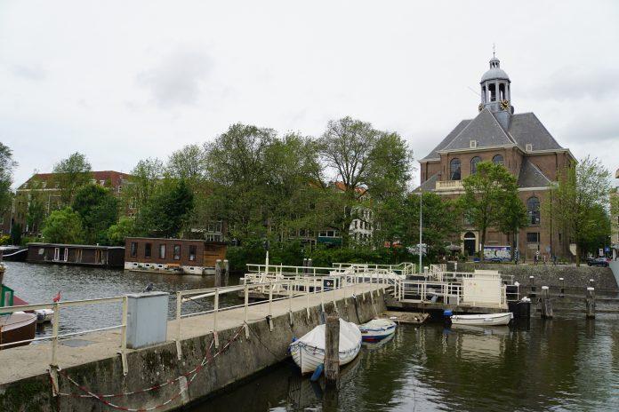 Waar vind ik een kerk in Amsterdam?