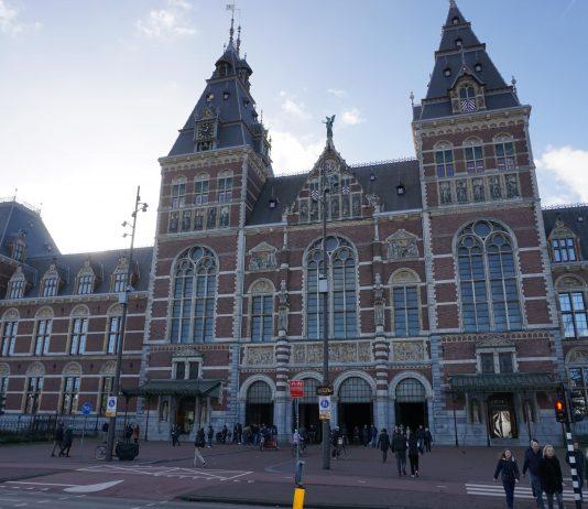 Klimaatactivisten lijken klaar voor protest bij Rijksmuseum