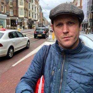 """Respectloze rotstreek in Amsterdam: """"Beeld aidsfonds doormidden gebroken"""""""