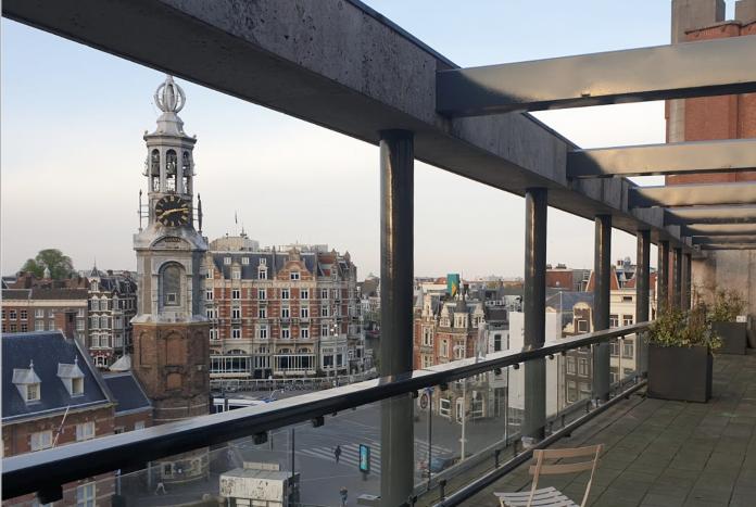 Vanaf zondag 26 april, 21.00 uur, staat DanceTelevision in het teken van de Kingsnight en de Kingsday Marathon 2020 van het #stayhomefestival, dat in samenwerking met TechnoV en Marktkantine wordt gepresenteerd. Vanaf zondag 21.00 uur is een livestream van onder anderen Oliver Weiter te verwachten en uitzendingen van de set van Joris Voorn & Colyn. Daarnaast maken artiesten hun opwachting in de Biesbosch, de Hoek van Holland Beachclub en het TNW's Sky Terras in Amsterdam.