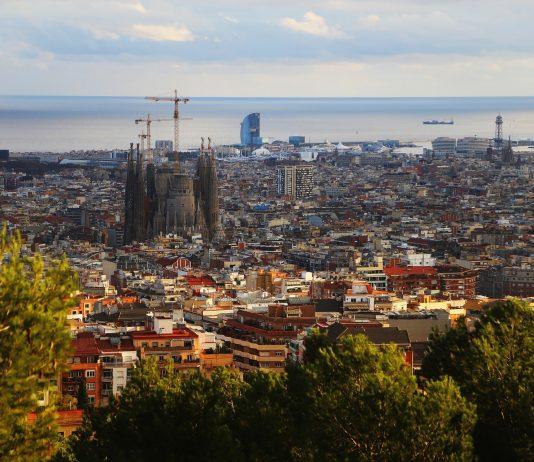 HET ONWETENSCHAPPELIJKE CORONABELEID IN SPANJE