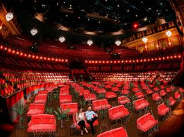 S A M E N van Theater Bellevue, De Kleine Komedie en Carré
